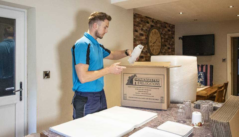The Advantages Of Using Removal Services