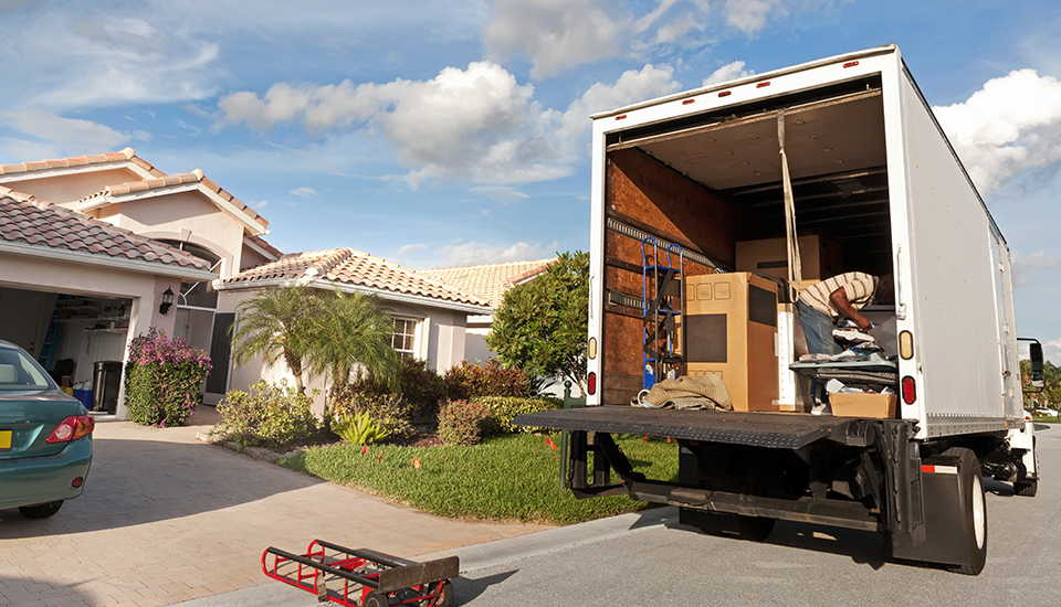 Why Should You Consider Using Self Storage Before Your Home Removal?